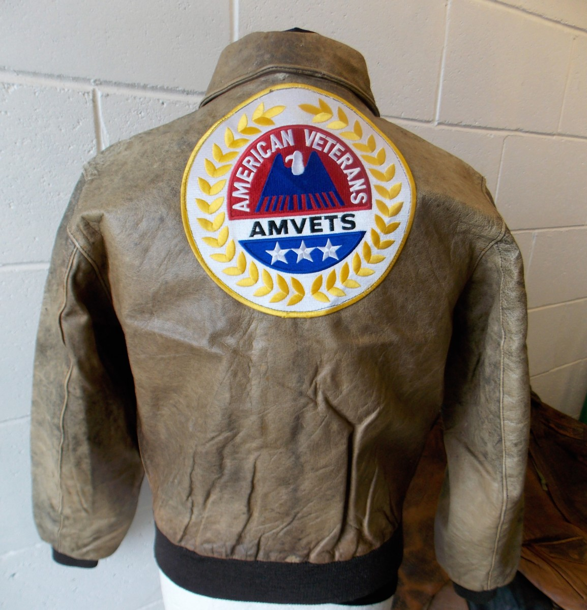 b40082ca3 L. L.BEAN SCOVILL Main Zipper Women's Type A-2 Bomber Goatskin Leather  Jacket With American Veterans Patch on Back - Made in USA (N-9, 1.1 kg)